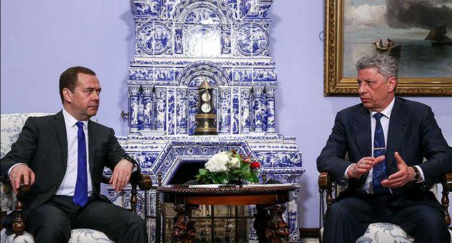 Для показухи – дело на Медведчука, а на деле – Медведчук с Бойко уже договаривается о капитуляции Украины, – Казанский