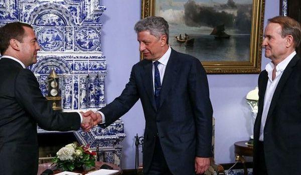 Будет дороже, чем сейчас: стало известно, что пообещали Медведчуку и Бойко в Кремле