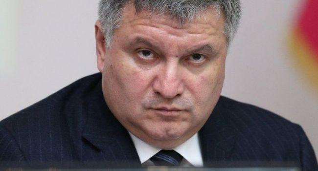 Аваков заявил о «каруселях» в первом туре выборов президента Украины