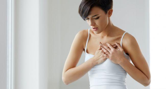 Почему женщины испытывают боль в груди
