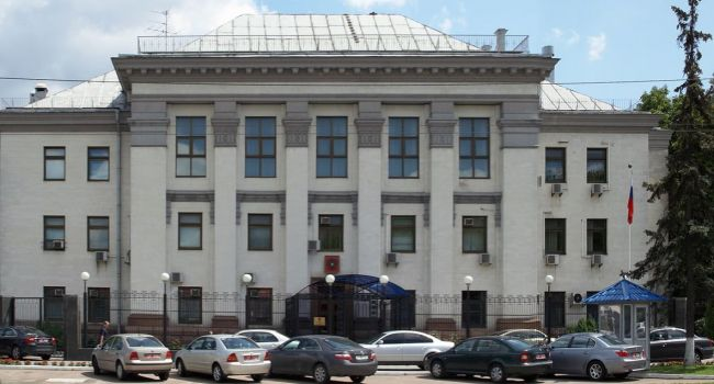 Журналист: наконец-то появился шанс, что в Украине будут закрыты все консульства РФ