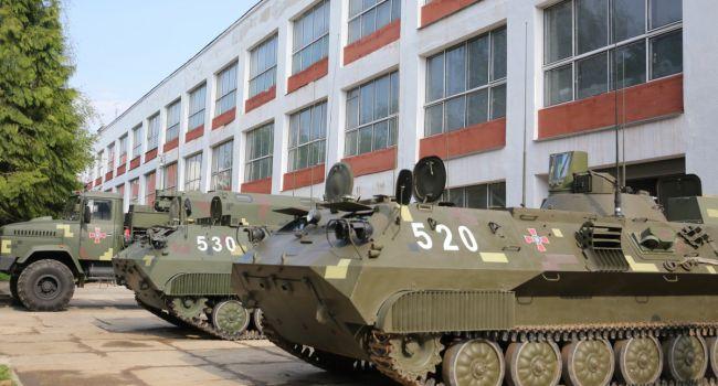 Арсенал оружия украинских военных продолжает увеличиваться