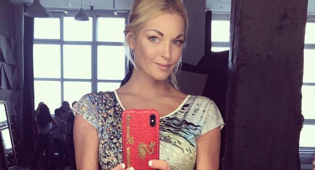 Волочкова послала свою хейтершу Ксению Собчак видео сообщением