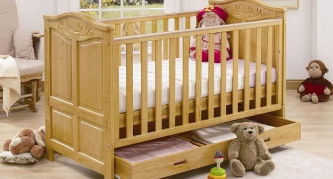 На что стоит обратить внимание, выбирая детскую кроватку