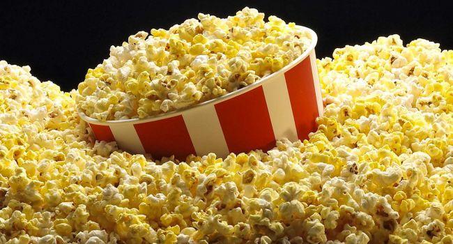 Почему есть попкорн в кинотеатре крайне полезно