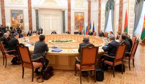 В Минске возобновляются Трехсторонние переговоры по Донбассу: Зеленский готовит новую команду