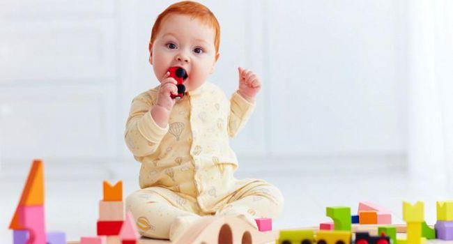 Как предотвратить проглатывание ребёнком инородных предметов