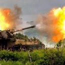 «Падает без перерыва, земля дрожит»: в Донецке начались тяжелые бои, местные жители в панике
