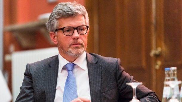 «Выстрел себе в ногу»: украинский посол в Германии рассказал, к чему приведет прекращение транзита газа