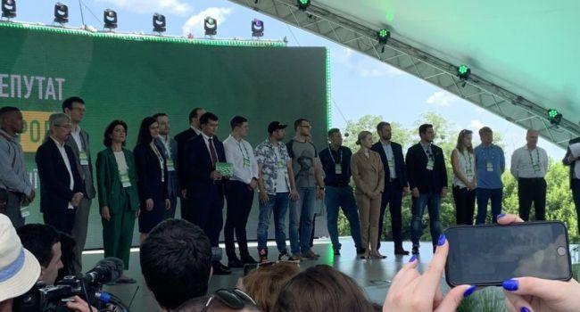 Кандидата от «Слуги народа» уличили в построении сетки по скупке голосов