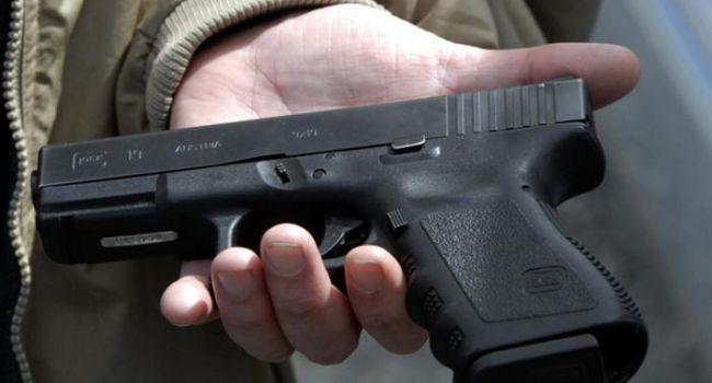 У Зеленского хотят разработать проект закона, регламентирующий право украинцев на владение огнестрельным оружием