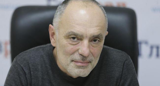 Касьянов: от этого бутафорского парламента лучше совсем отказаться, что скажет Богдан, то и делать. К чему этот цирк?