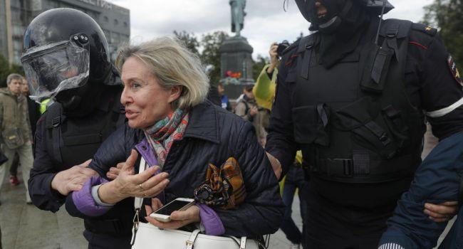 После каждой протестной акции россияне думают, что теперь-то добрый царь-батюшка будет заботиться о подданных, – блогер