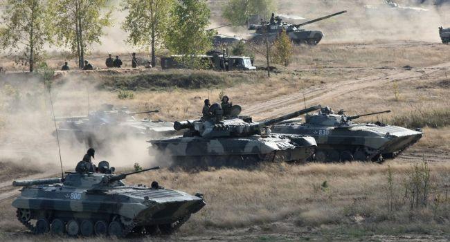 Россия готовится к войне: Арестович назвал конкретные факты