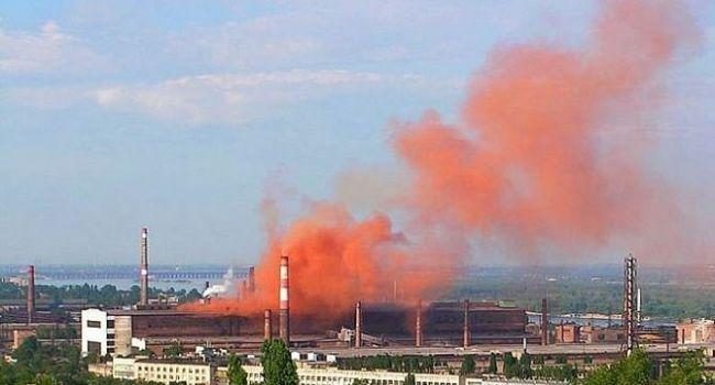 «Как ни радиация, то выброс свинца»: в РФ произошло очередное ЧП, жители в истерике