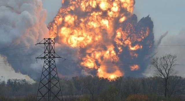«Жахнуло так, чтл ощутили сильную взрывную волну»: Донецк содрогнулся от мощного взрыва, люди в истерике