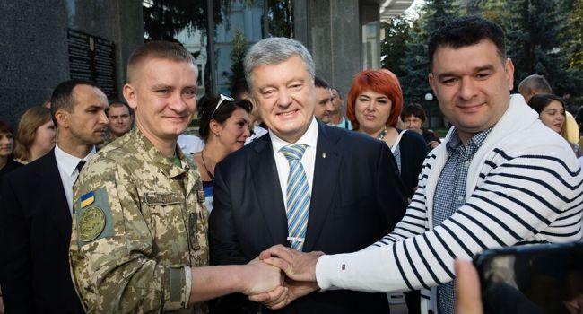 «Желаю Украине мира на условиях победы»: Порошенко обратился с сильной речью к украинцам в День Независимости