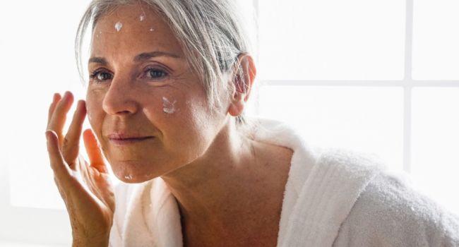 Обратите внимание: эксперты рассказали о первых признаках старения женщин