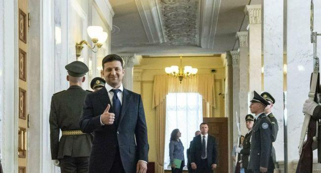 Зеленский не повторяет ошибок Порошенко – систематически встречается со «Слугой народа»