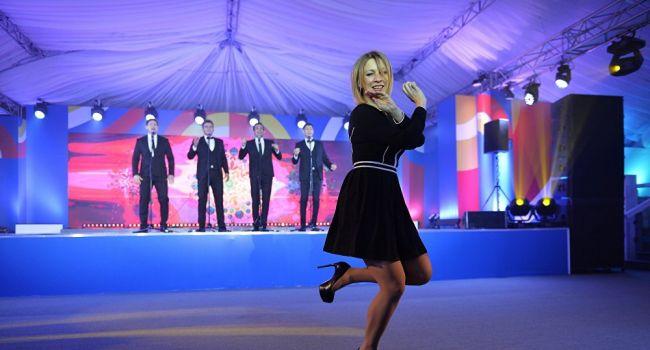 «Едва лезгинку не станцевала»: Захарова прокомментировала подписание Украиной «формулы Штайнмайера»