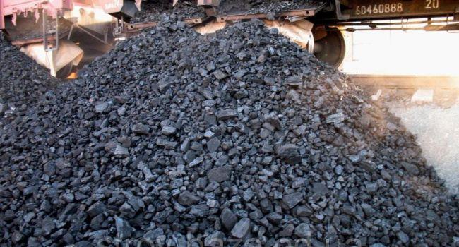 «Спонсируют террористов»: Украина в огромных количествах закупает уголь у боевиков «ЛДНР» — Тука