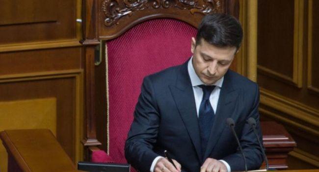 «Генерал, с вещами на выход»: Зеленский провел «громкое» увольнение в украинской армии