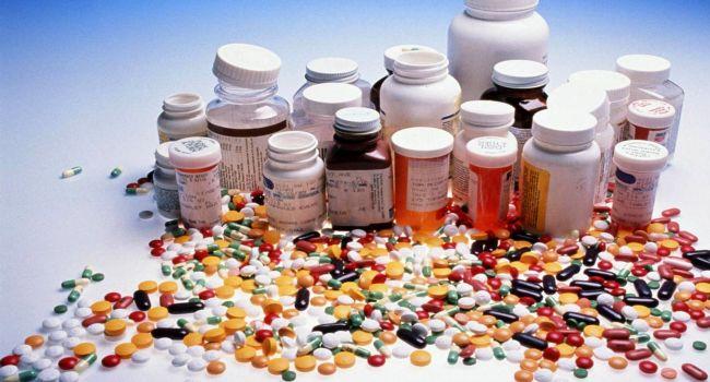 «Как наркотики»: Известный доктор рассказал об опасных лекарствах