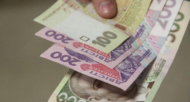 «Кто много зарабатывает, будет платить больше»: Военный сбор в Украине предлагают сделать дифференцированным