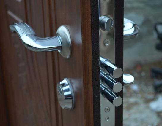 Быстрая и качественная замена замка в двери