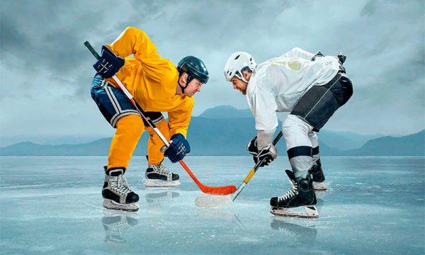 Широкий ассортимент хоккейных клюшек