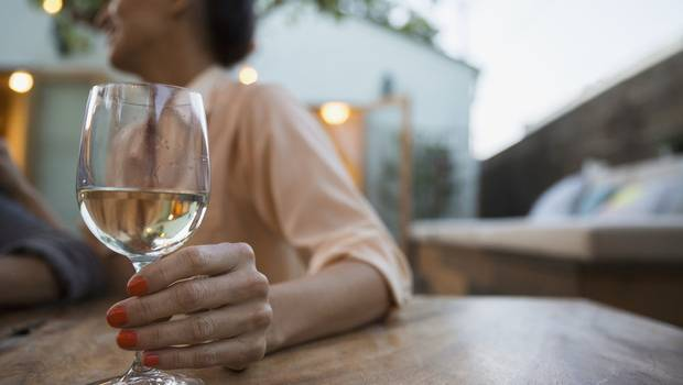Спиртные напитки провоцируют появления опухолей человеческих органов