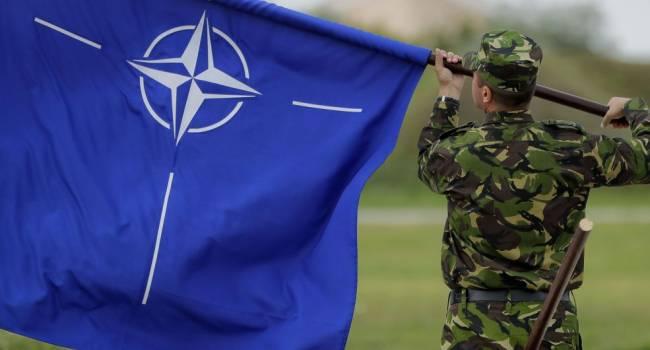 Военный эксперт: Украина действительно защищает восточный фланг НАТО, пока есть мы, Москве не до агрессии против Запада