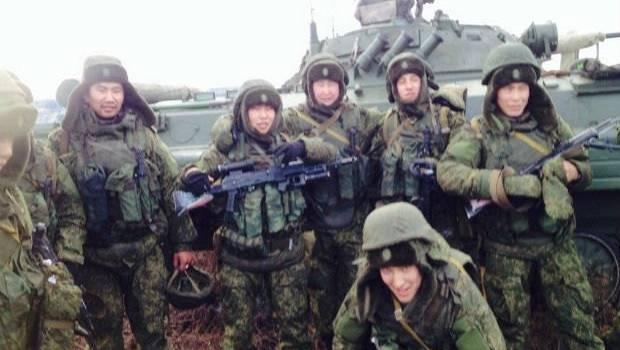 «Забули що таке «вантаж-200»?»: Найманці з Бурятії почали знову прибувати на Донбас
