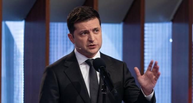 Журналист: Зеленский напоминает сейчас банкрота, который занимает еще и еще, не понимая, что отдать не сможет