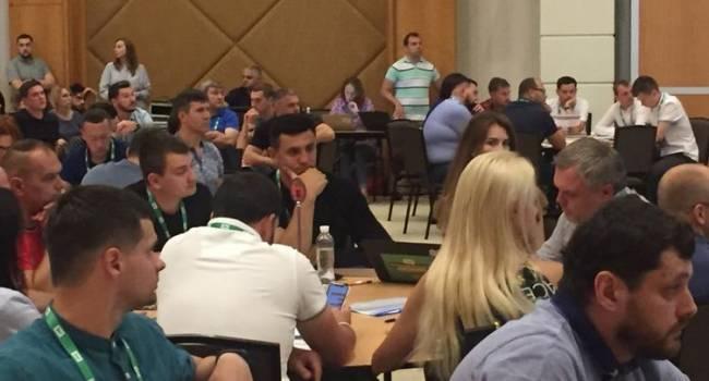 «Слуги народа» поедут снова тренироваться в Трускавец: политолог рассказал, на что нардепам Зеленского нужно обратит внимание