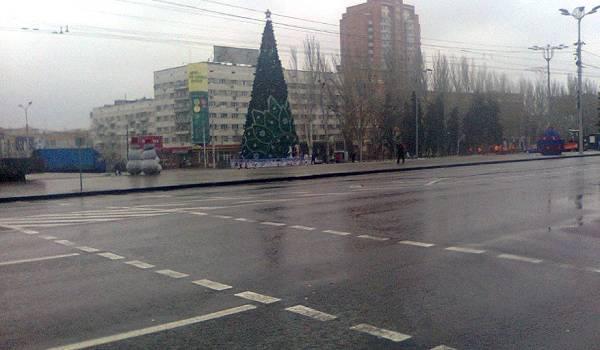 «Народ опохмеляться даже не спешит»: в сети показали печальные фото Донецка после Нового года