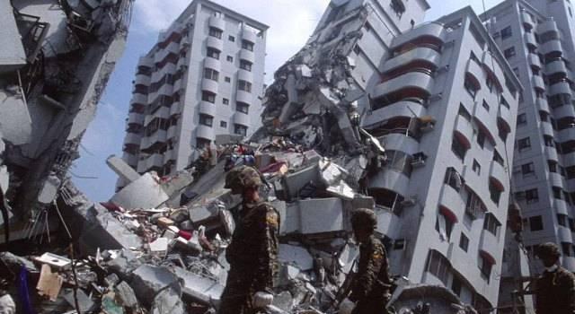 Землетрясение в Турции: Количество погибших резко возросло в разы