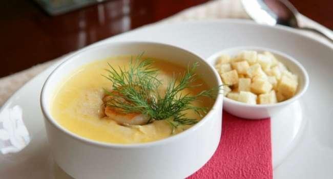 Блюдо дня: сливочный суп с лососем