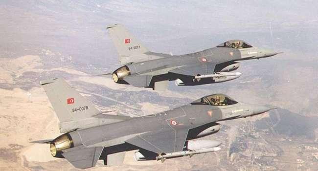 Истребители Турции F-16 вторглись в Сирию и уничтожили военную технику Асада и Путина