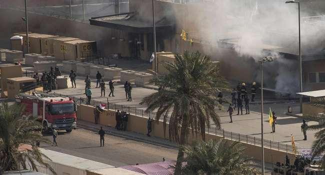 «Ирак гремит»: По посольству США в Багдаде выпустили 4 реактивных снаряда