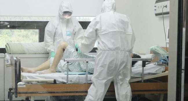 Из-за вспышки коронавируса: в школах Украины могут продлить весенние каникулы