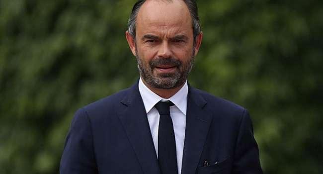 «Весь мир закрывается»: Во Франции объявили о дополнительных ограничениях от коронавируса