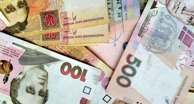 Таран: Чтобы раздать «Вовину тысячу», нужно запускать печатный станок, но нынешнее руководство НБУ не даст этого сделать. Поэтому ждите политической атаки на Нацбанк