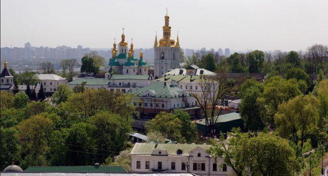 Киево-Печерскую лавру официально признано очагом коронавируса в столице Украины