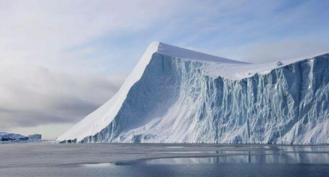 Непредсказуемые последствия: ученые заявили о начале разрушения крупнейшего айсберга Антарктиды