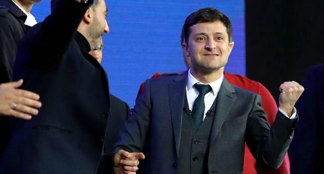 Блогер: после года президентства Порошенко была гордость за Ассоциацию с ЕС, иск против «Газпрома», а, чем сегодня гордятся сторонники Зеленского?