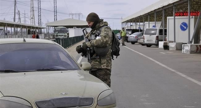 «Люди не могут пересечь границу»: Войска РФ уже пятый день подряд блокируют КПВВ «Марьинка»
