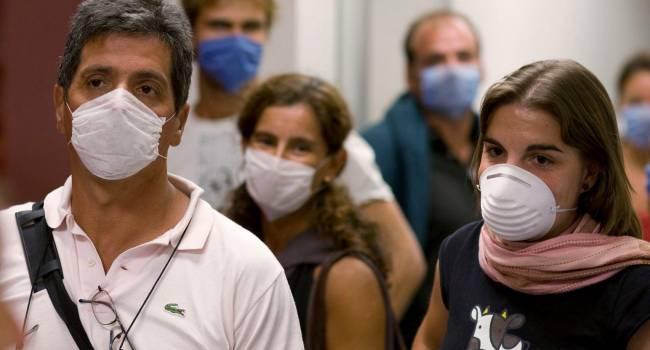 «Особенно для групп риска»: доктор объяснил, нужно ли носить маску в жаркую погоду