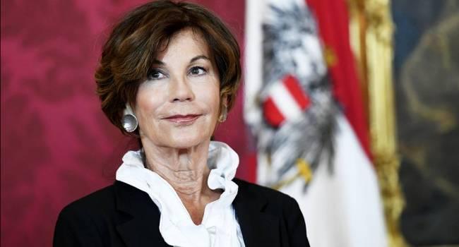 «Была пьяна и села за руль»: В Австрии жестко наказали бывшего канцлера страны