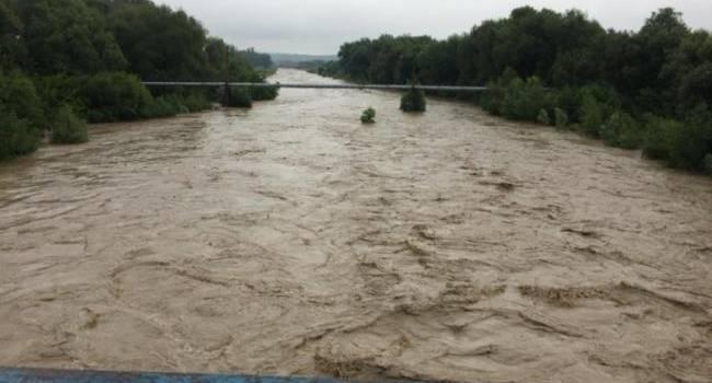В Ивано-Франковской области увеличилось количество жертв наводнения